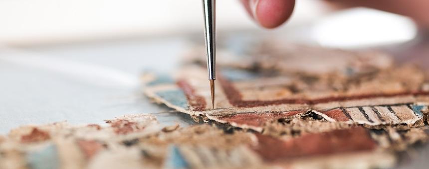 Papyrus restaurieren